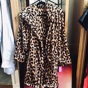 Betsey Johnson Vintage look Cheetah/leopard robe